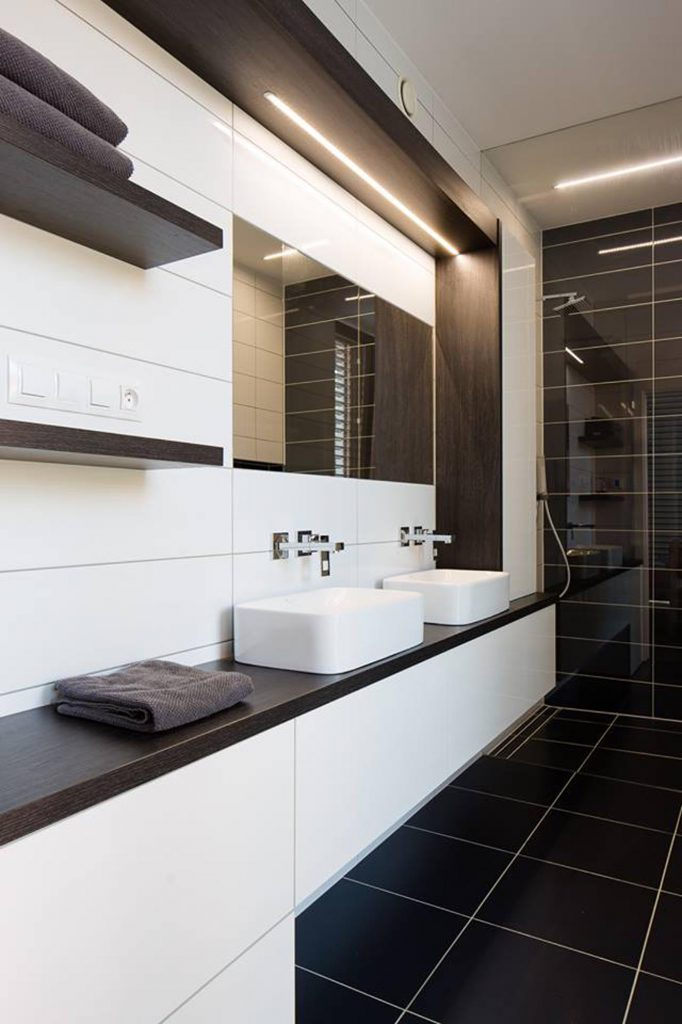 Interiér dřevostavby v Dubňanech - koupelna